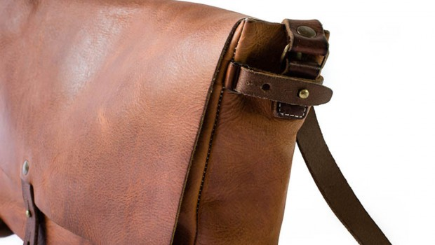 Vintage Messenger Bag (Whipping Post)